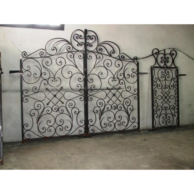 Portail et portillon en fer forgé massif - Réédition à prix grossiste - Portail ancien à prix de gros