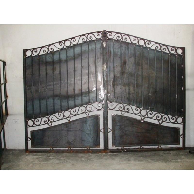 Portail en fer forgé massif - Réédition - Portail ancien à prix de gros